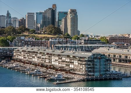 Sydney, Australia - December 11, 2009: Walsh Bay Pier With Upscale Housing And Private Boat Docks Wi