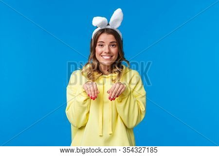 Holidays, Traditions And Celebration Concept. Cute And Silly Smiling Blond Woman Lovely Looking At C