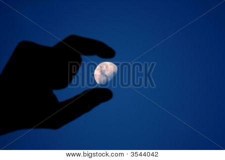 Moon Hand