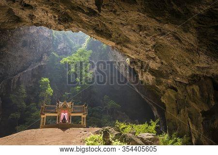 Asia Thailand Khao Sam Roi Yot Cave