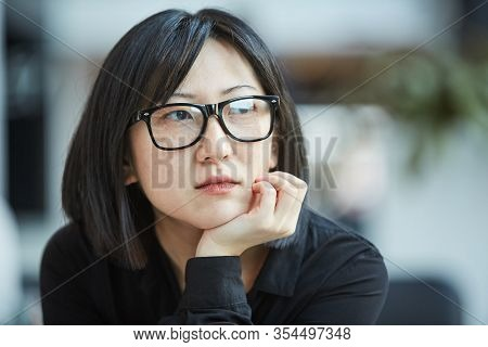 Cloe Up Head And Shoulders Portrait Shot Of Attactive Young Asian Woman Wearing Stylish Eyeglasses R
