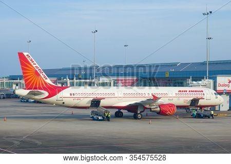 Colombo, Sri Lanka-february 24, 2020: Airbus A321-211(vt - Ppk) Airline Air India On The Bandaranaik