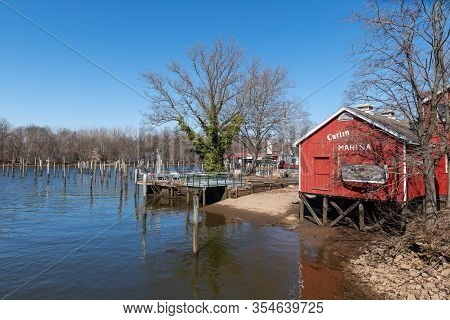 Burlington, New Jersey -march 4: A Scenic View Of A Marina On The Delaware River On March 4 2020  In