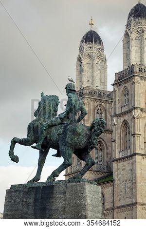 Zuerich, Switzerland - November 9, 2019. Equestrian Statue Of The Mayor Hans Waldmann, Errected In 1