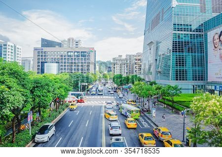 Taipei, Taiwan - May 16, 2019: Fabulous View Of Xinyi Road On Sunny Day. Day Traffic Of Taipei. Scen