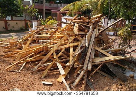 Broken Long Chunks Of Tree Trunk. Close Up Broken Pieces Of Wood. Pine Timber Wood Chip. Broken Into
