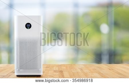 Air Purifier A Living Room,  Air Cleaner Removing Fine Dust In House. Protect Pm 2.5 Dust And Air Po