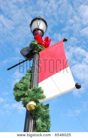 holiday streetlight