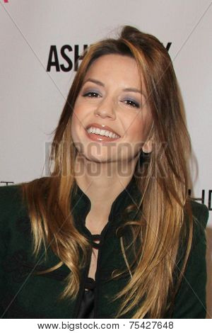 LOS ANGELES - NOV 2:  Masiela Lusha at the Launches Her Starlooks Cosmetics Line at the Ashley Fox Store, Stonewood Mall on November 2, 2014 in Downey, CA