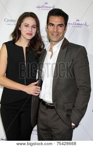 LOS ANGELES - NOV 4:  Kaitlin Riley, Jordi Vilasuso at the Hallmark Channel's