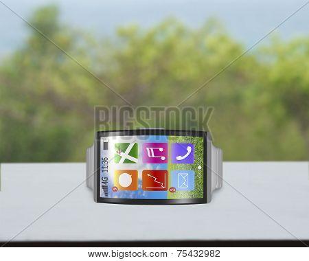 Bent Interface Smartwatch Horizontal With Metal Watchband