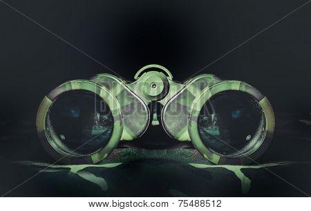 Camouflage undercover binoculars