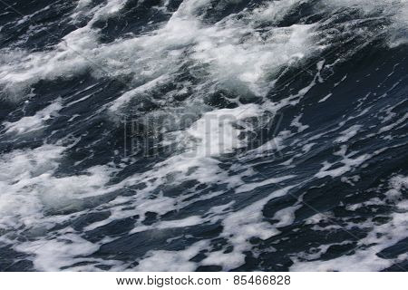 Spray On Waves