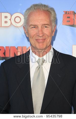LOS ANGELES - JUN 8: Geoff Pierson at the Premiere of HBO's 'The Brink' at the Paramount Theater at Paramount Studios on June 8, 2015 in Los Angeles, CA