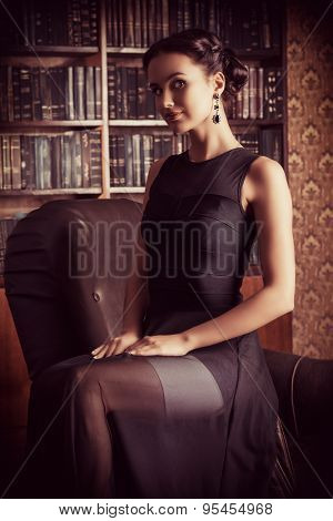 Beautiful elegant lady in vintage interior. Fashion shot.
