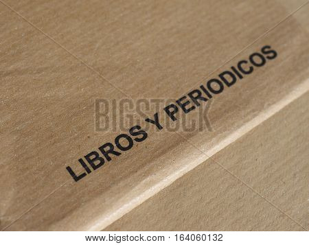 Libros y periodicos (meaning books and journals)