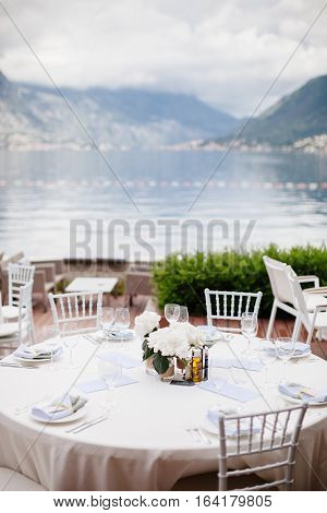 wedding table flower decoration with olive flowers