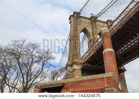 Brooklyn bridge column in brooklyn side from ground.