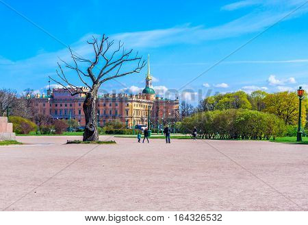 Dry tree on the Champ de Mars in St. Petersburg