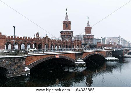 Oberbaum Bridge (oberbaumbrücke) In Berlin,  Winter