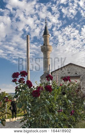 The peninsula of Crimea the city of Stary Krym . Khan Uzbek Mosque and the ruins of a building adjacent to it madrassa ( religious school ) .