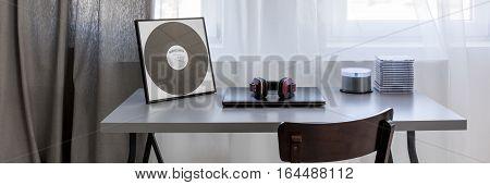 Minimalistic Chair Ad Desk