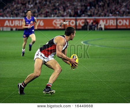 MELBOURNE - SEPTEMBER 18: An unidentified player in action at St Kilda's win over the Western Bulldogs - Preliminary Final, September 18, 2009 in Melbourne, Australia.