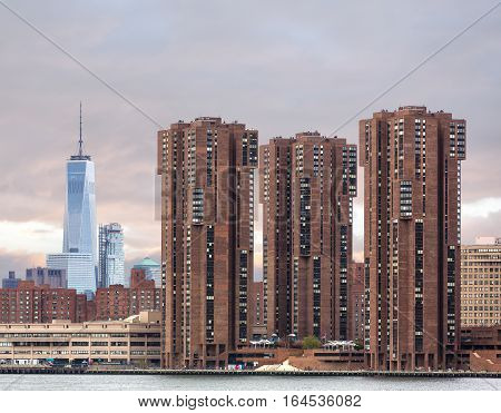 View On Manhattan Skyline From Queens