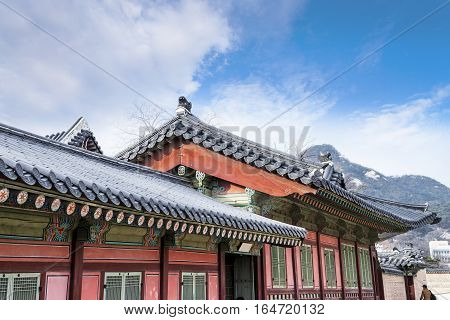 Korean Traditional Architecture - Korean Tradition Wooden Gate And Red Outdoor Stone Wall, Decoratio