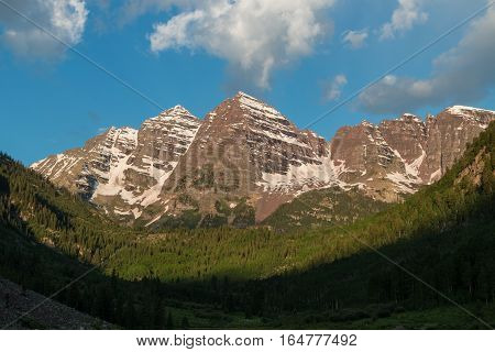 the scenic landscape of the maroon bells near Aspen Colorado