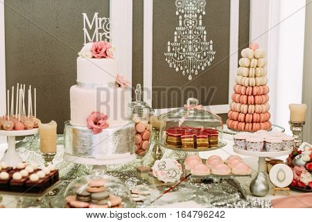 Luxury Design Of The Wedding Table With Sweets