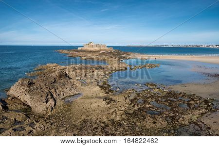 Rocks going to fort national in Saint-Malo, Bretagne France