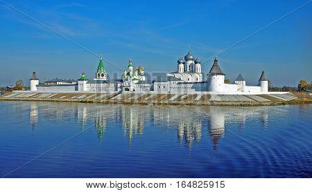 MAKARIEVO NIZHNY NOVGOROD RUSSIA - 24 SEPTEMBER 2015: Holy Trinity Monastery Makarievsky Zheltovodsky. View of a female Orthodox monastery from the Volga River early morning