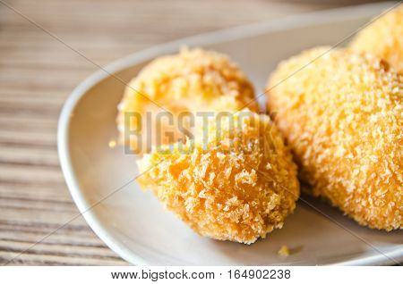 Japanese fusion food cream and broccoli croquette