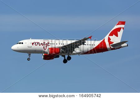 Air Canada Rouge Airbus A319 Airplane