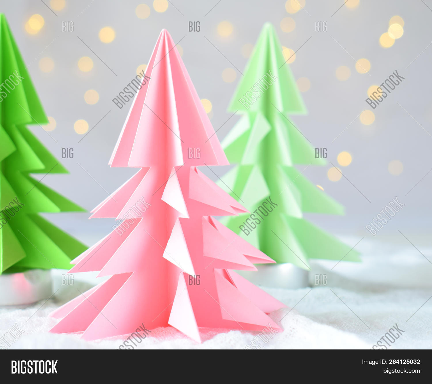 Easy Origami Christmas Tree : 9 Steps (with Pictures) - Instructables | 1334x1500