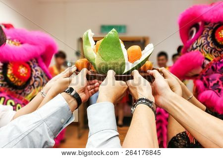 Managers Receive Oranges, Pomelo, Salad From Lion After Dance Performance