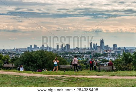 London / Uk - September 16 2018: People Have Fun And Enjoy The London Skyline From The Top Of Parlia