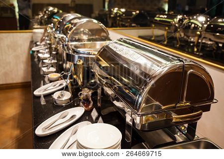Hotel Restaurant Food Catering Service Buffet Banquet For Wedding Ceremonies, Seminar, Meeting, Conf