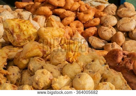 Piiyaji, Gulgula, Bara, Aloo Chop, Mangso Chop, Etc, Are Being Sold By Cart Pullers Called Thelawall