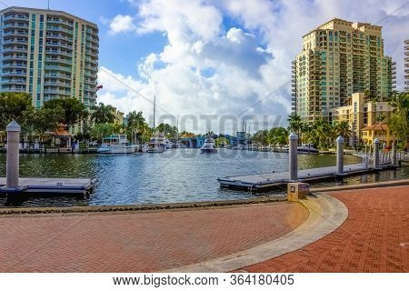 Fort Lauderdale - December 1, 2019: Cityscape Of Ft. Lauderdale, Florida Showing The Beach, Yachts A