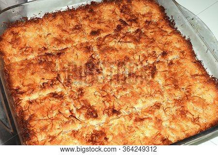 Wheat Dessert Shredded In Ramadan, Cooked Fried Shredded Wheat Dessert,