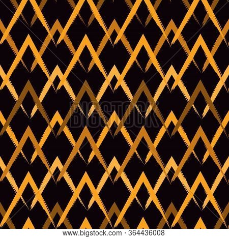 Brush Strokes Seamless Pattern. Freehand Horizontal Zigzag Stripes. Repeated Chevron Lines Backgroun