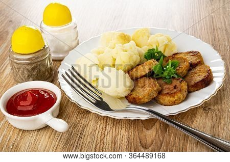 Pepper And Salt Shakers, Ketchup In Small Sauceboat With Handle, White Glass Plate With Boiled Cauli