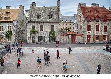 Quebec, Canada September 23, 2018: Tourists On The Historic Street Of Quebec City, Rue Petit Champla