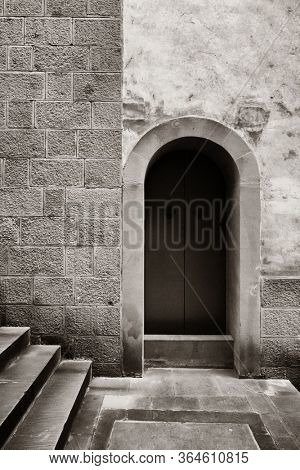 Doorway in Chongqing Huguang assembly hall