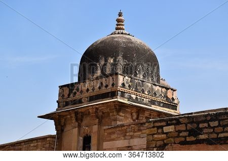 Gwalior, Madhya Pradesh/india : March 15, 2020 - Dome At 'gujari Mahal' In Gwalior Fort