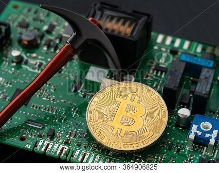 Bitcoin Virtual Cryptocurrency, Btc Pickaxe Mining, Blockchain Concept