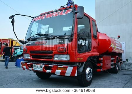 Pasig, Ph - May 18 - Isuzu Firetruck At 1st U Trip Rebuilt Truck Show On May 18, 2019 In Pasig, Phil