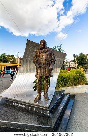 Editorial,   Statue Of Szell Kalman At Kalman Ter Square,  Budapest Hungary